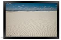 White sand dune in a national park in New Mexico, Framed Print